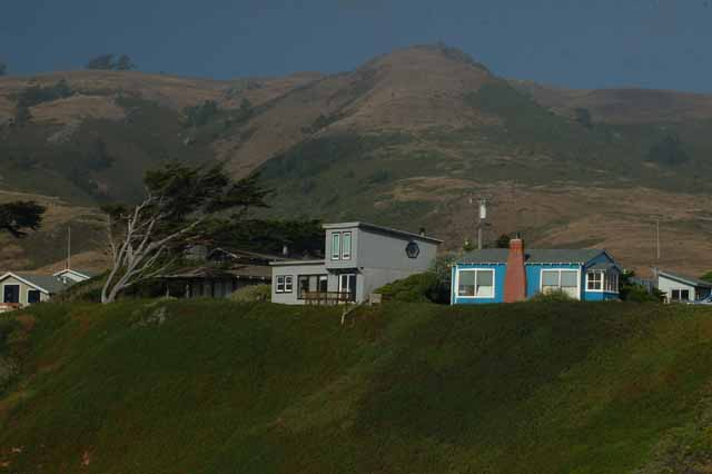 houses along the highway one