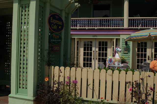 A small Victorian cafe on Mackinac Island