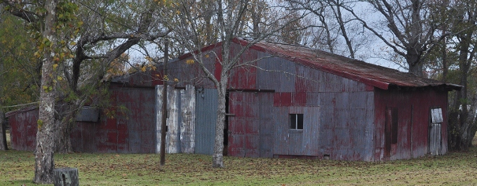 old red barn in dickinson